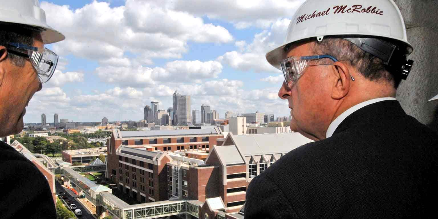 McRobbie overlooking Indianapolis at an IUPUI building site