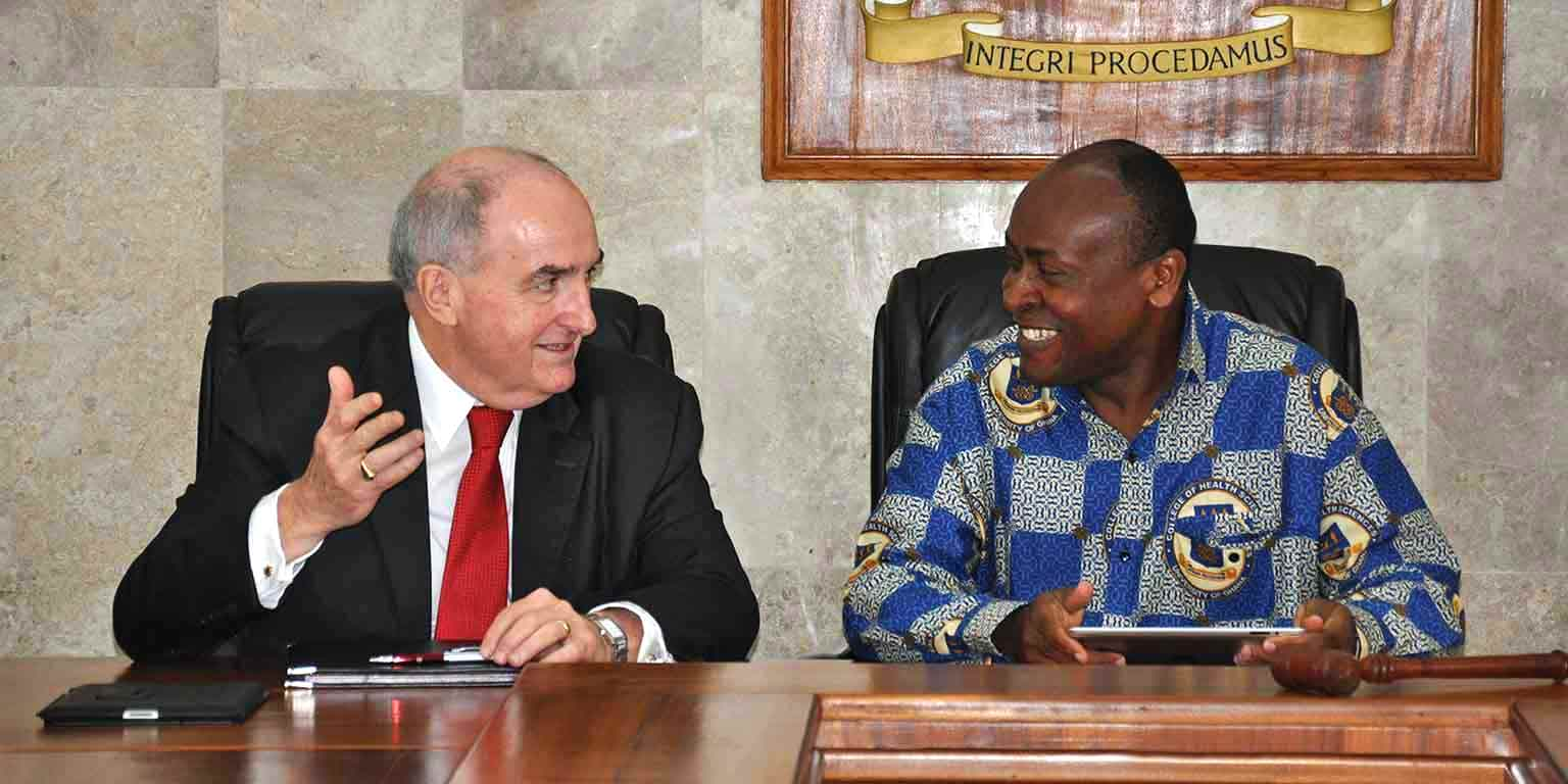 President McRobbie and University of Ghana Pro-Vice Chancellor Osam trade stories as they discuss expanded cooperation.